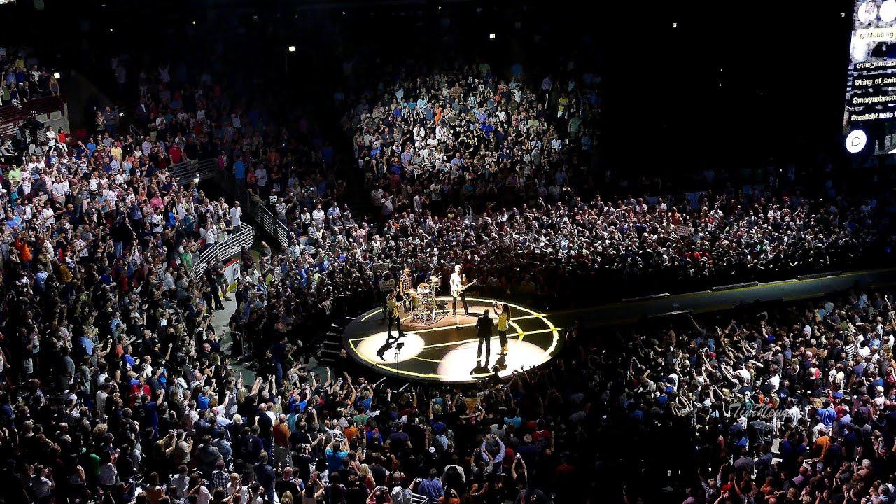 "Download U2 / 4K / ""Desire"" FANTASTIC VERSION / United Center, Chicago / June 28th, 2015"