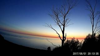 June 1 2017. Sunset time lapse over the Lake Michigan. Закат над озером Мичиган