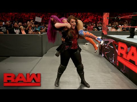 Thumbnail: Raw's historic first-ever Women's Gauntlet Match: Raw, June 26, 2017