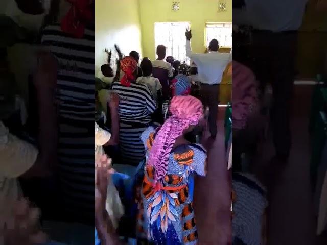 Mois Bridge Kenya Fellowship Worshipping Jesus