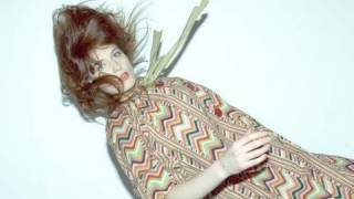 Florence & the Machine, interview w Russell Porter (music)