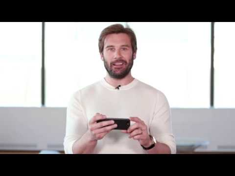 VIKINGS | Clive Standen reads your Tweets