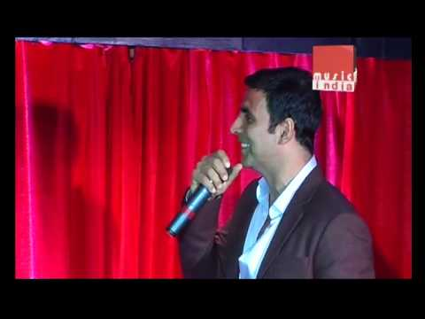 """Akshay Kumar Faces Opposition For """"Hookah Bar"""""""