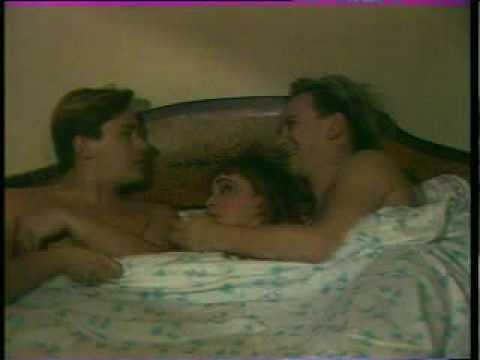 Трое в постели видео