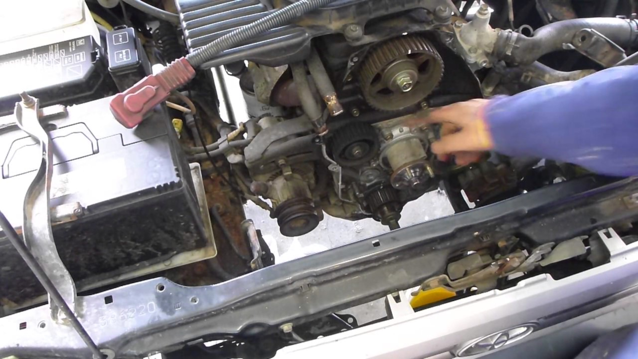 How to replace a timing belt for a Toyota Hulix 5L & 3L  YouTube