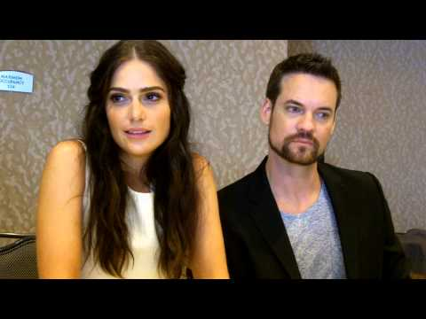 SDCC 2015:  Salem  Janet Montgomery and Shane West Mary Sibley, John Alden
