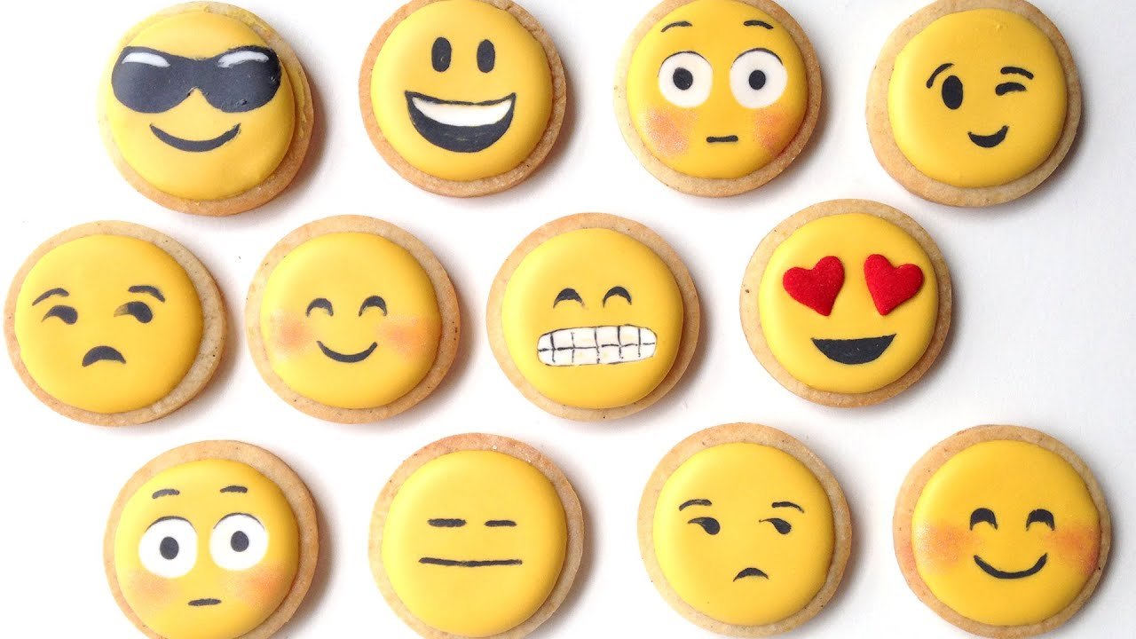 How To Decorate Emoji Cookies With Royal Icing! - YouTube