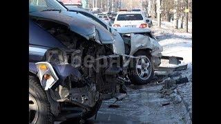 Хабаровчанин разбил чужую служебную машину и попал в больницу. Mestoprotv