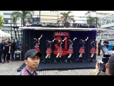 JKT48 - 365 Nichi No Kamihikouki @ KFC Sarinah [31-03-2017]