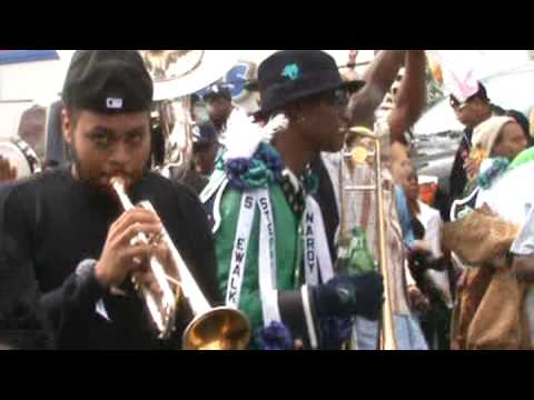 TREME SIDEWALK STEPPERS SECOND LINE 2009 with Sixth Ward throw together band