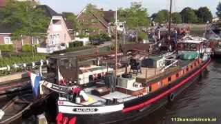 Schepen in Spoordok tijdens MusSailkanaal in Musselkanaal (zaterdagavond)