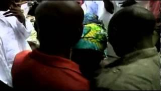 Video: grupo islamista Boko Haram secuestra niñas para venderlas como esposas