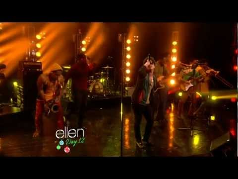 Bruno Mars - Locked Out of Heaven LIVE HD 2012-12-18