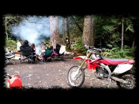 Family Camping at Snoqualmie Pass WA with TINY CHIHUAHUAS experiencing the WOODS!