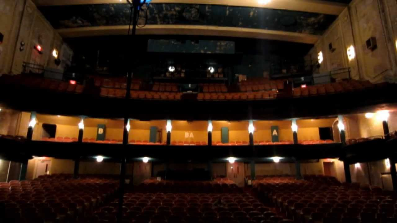Haunted Theatre Walk Youtube