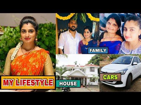 Download Attarintlo akka chellellu serial OldHeroine (chaitra rai) Luxury Lifestyle 2021   Family,Debut,Cars📺