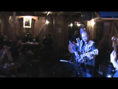 "Electric Devils live at ""Bad king pub"" in Perugia"