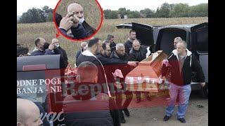 Ubica Đokića nemo posmatrao spuštanje sanduka u raku: Evo kako se osumnjičeni ponašao na sahrani!