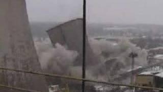Wyburzenie  chlodni elektrowni
