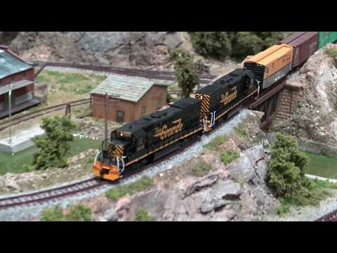 N SCALE MODEL TRAIN LAYOUT WESTERN PACIFIC/RIO GRANDE