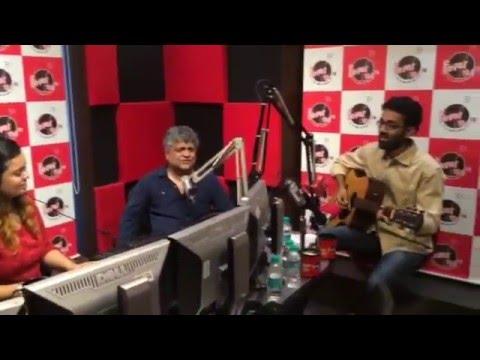 Tu Kisi Rail si guzarti hain with Swanand Kirkire!