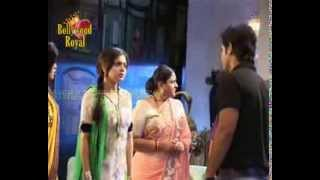 On location of TV Serial 'Madhubala'   RK puts sindoor on Madhu 4