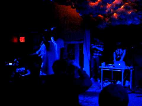 Main Attrakionz - Perfect Skies Live in Brooklyn, NewYork,2012