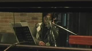 映画版『ねこタクシー』の主題歌「ソラノワダチ」を歌う水木一郎さんの...