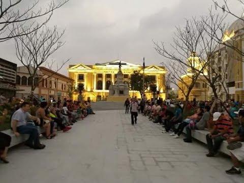 Recien remodelada plaza Morazan san salvador EL SALVADOR.