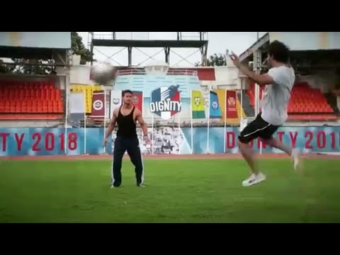 Tiger Shroff Playing Football With Punit Malhotra    Director of SOTY 2    TIGER Rules Official