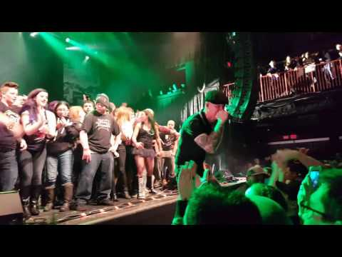 Dropkick Murphys - Until the next time (closing the show) Boston 15th March 2017