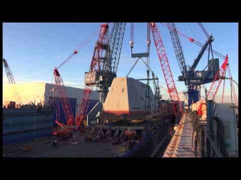 Reed & Reed Crane Services - Bath Iron Works 900-ton  Deckhouse Mega Lift