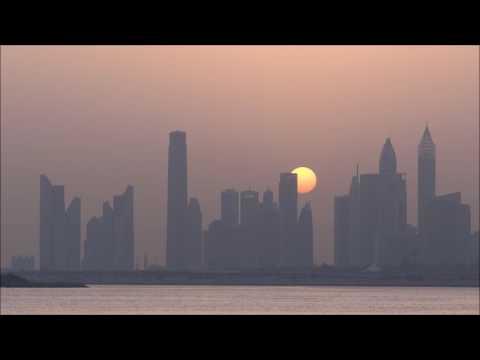 Zonsondergang boven skyline Dubai (10 juli 2017)