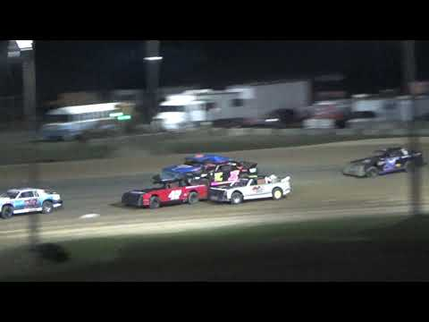 Street Stock Heat Race #4 at Crystal Motor Speedway, Michigan, on 09-16-2017!