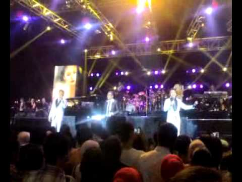 Konser 25 Tahun Kahitna : Medley Menikahimu - Menanti