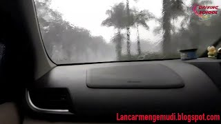 Download Video Tips aman mengemudi ketika hujan MP3 3GP MP4