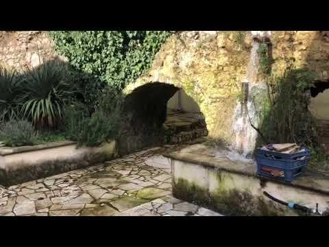 Perdita d'acqua dall'antico acquedotto di Pio IX