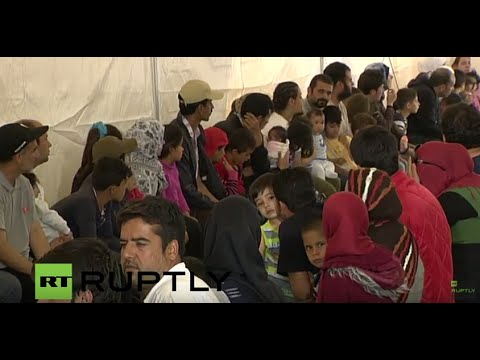 LIVE: Pope Francis visits Greek island of Lesbos - Arrival at Mòria refugee camp