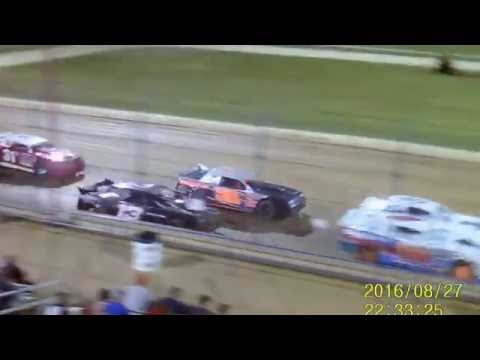 Lucas Oil Speedway Street Stock feature   championship night 8 27 16