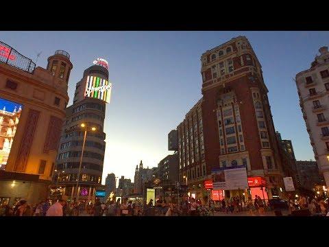 WALKING MADRID'S GRAN VIA AT NIGHT Incl. Sol And Plaza De España   Spain