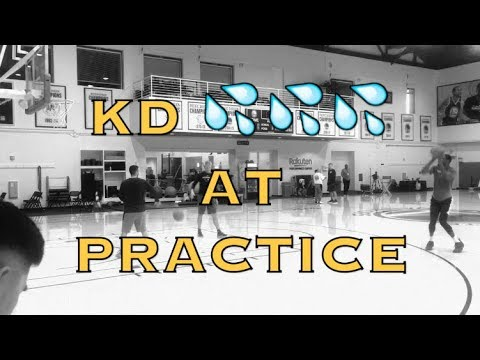 KD (Kevin Durant) splashing after Warriors practice, two days before Opening Night vs OKC Thunder