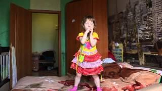 Дочка Поет Песню Серебро Я перепутала!!!