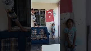 5 yaşındaki elif  in istiklal marşı heyecanı