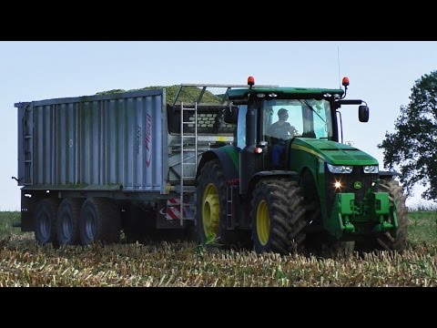 JOHN DEERE 8320R | NEW HOLLAND FR9060 | Tractors in action | Big Corn Silage