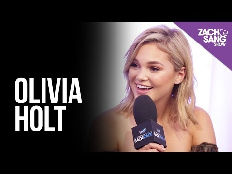 Olivia Holt Talks 'Generous' & New Orleans I Backstage at the AMAs