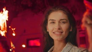 Les Elephants Bizarres - Rosu Neon (Official Video)