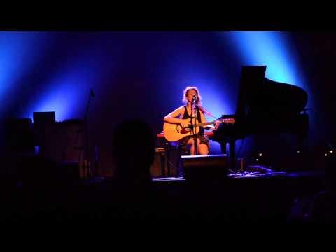 """Eire"" live by Elodie Milo"