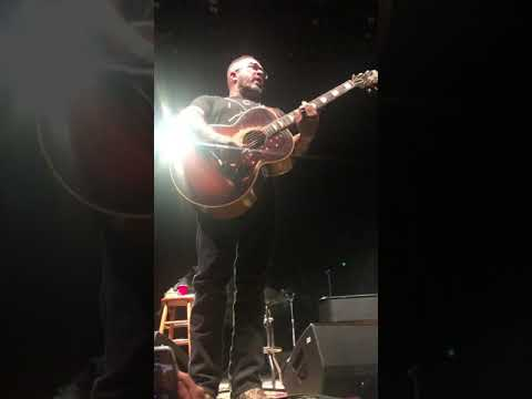 Cort Webber - Aaron Lewis gets pissed at noisy crowd, walks off stage.