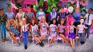 Dzień Kobiet Barbie  Prezenty niespodzianki i chór Kena???!!  Bajka z lalkami Fashionistas