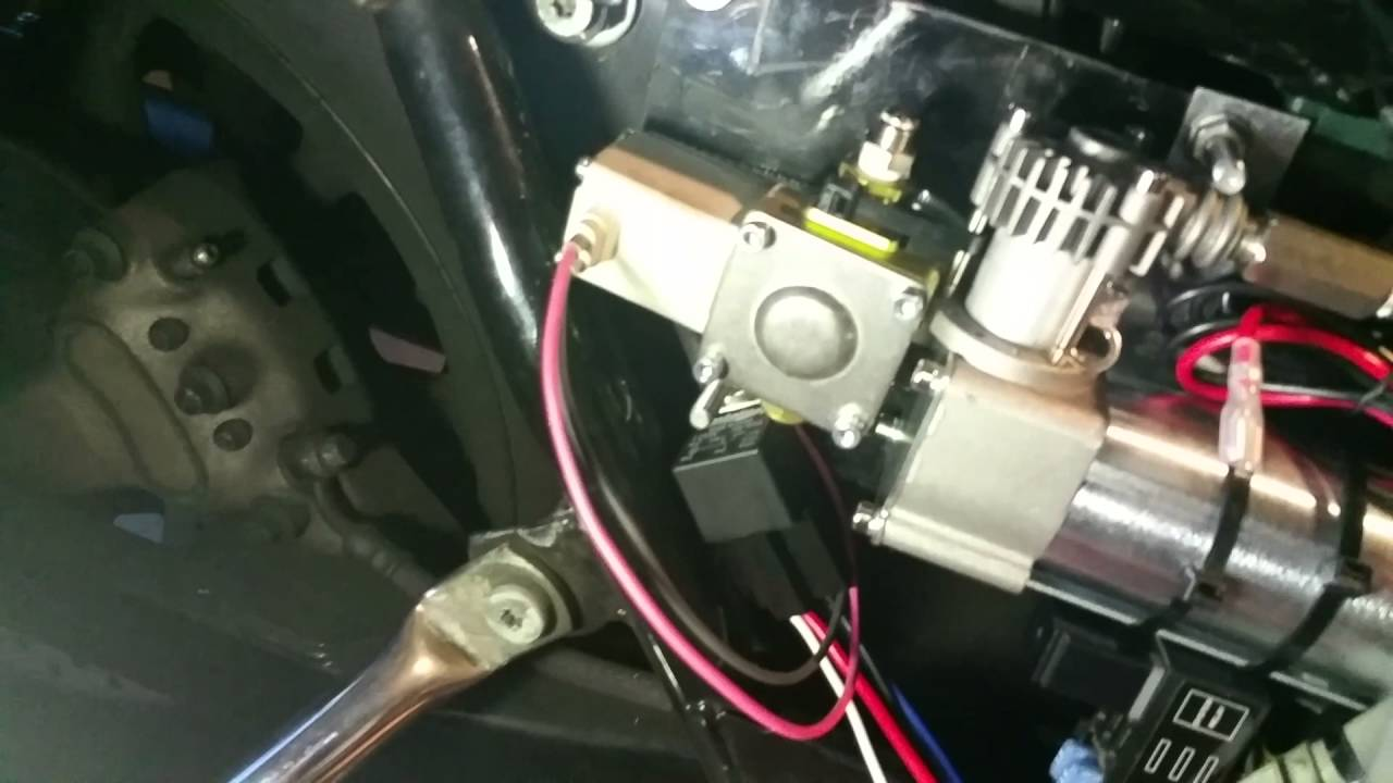 small resolution of 04 harley touring air ride install